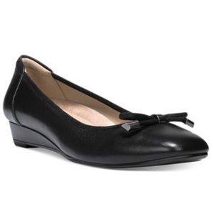 Naturalizer Dove Wedge Leather Black Flats